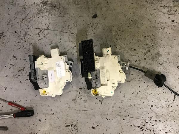 ポルシェ パナメーラ 4S ドアロック不良修理