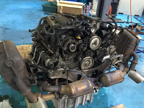 ポルシェ 996 冷却水漏れ 故障修理