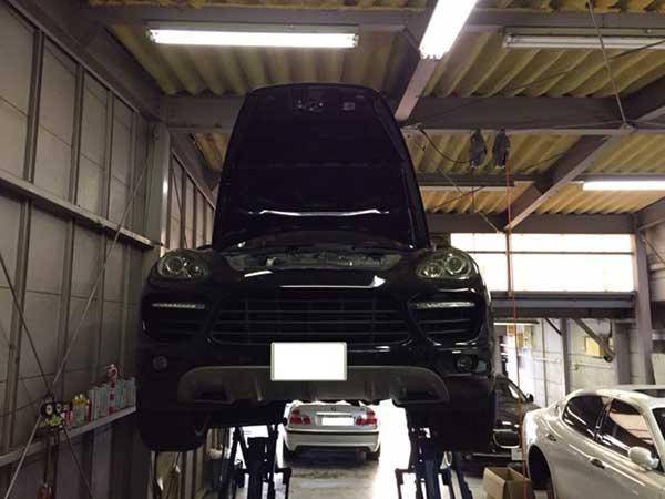 ポルシェ カイエンGTS 958 車検 冷却水漏れ 点検修理
